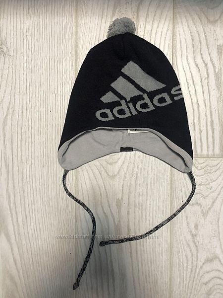 Зимняя шапка Адидас на флисе