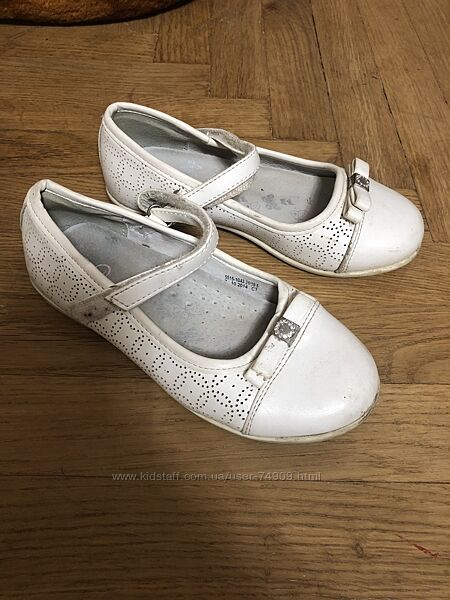 Белые туфли ТМ Arial на девочку дешево