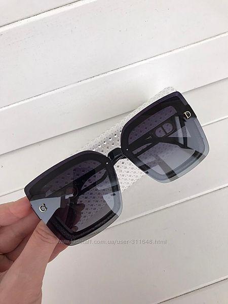Женские солнцезащитные очки  чехол