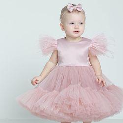 Нарядное платье с пышной оборкой