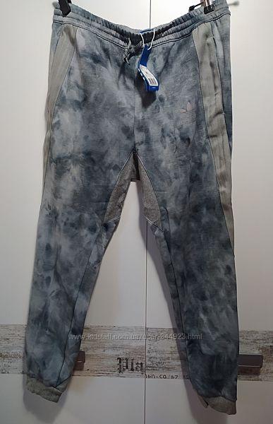 Adidas Фирменные оригинальные брюки Эксклюзив. Осень Зима Внутри флис