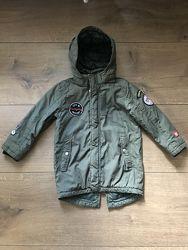Продам деми куртку/парку H&M 6-7 лет