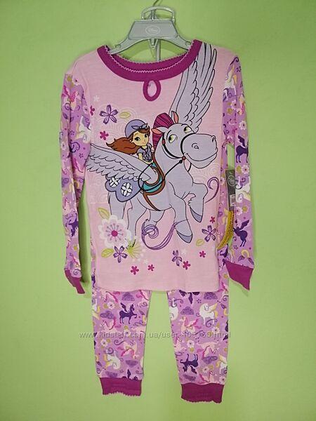 Продам новую пижаму Disney. Оригинал. Размер 6 лет