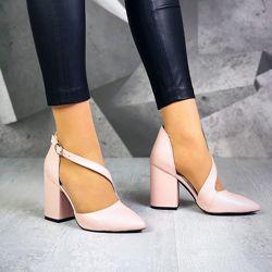 Классика. туфли лодочка с ремешком, каблук 9, 5 см. 10 расцветок