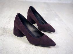 Шикарные , удобные туфли лодочка . Каблук 5, 5 см. Кожа, замш.