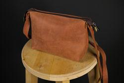 Изящная Кожаная женская сумочка на плечо. Кожа Италия