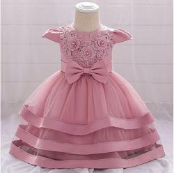 Платье праздничное девочке новое в наличии