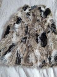 Меховый жилет Zara, для девочки рост 134 см.
