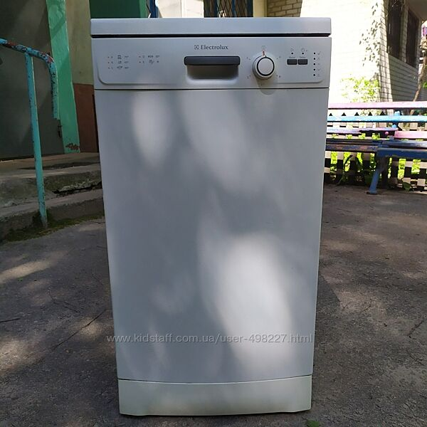 Продам посудомоечную машину Electrolux