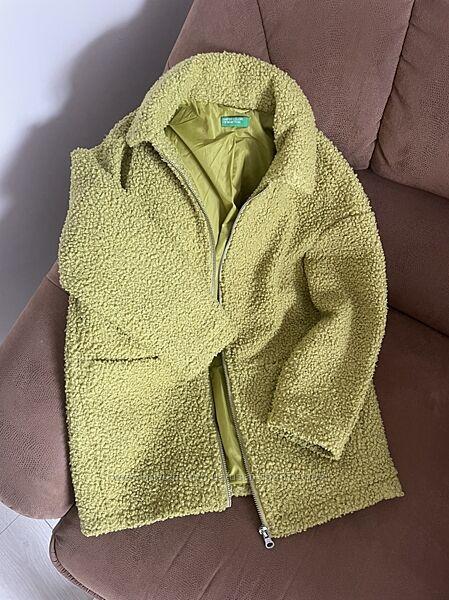 Оливковое пальто Benetton на девочку 7-8 лет ткань букле