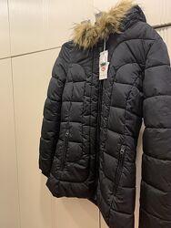Деми куртка  с капюшоном