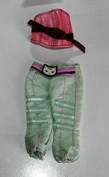 Одежда и обувь для кукол разная
