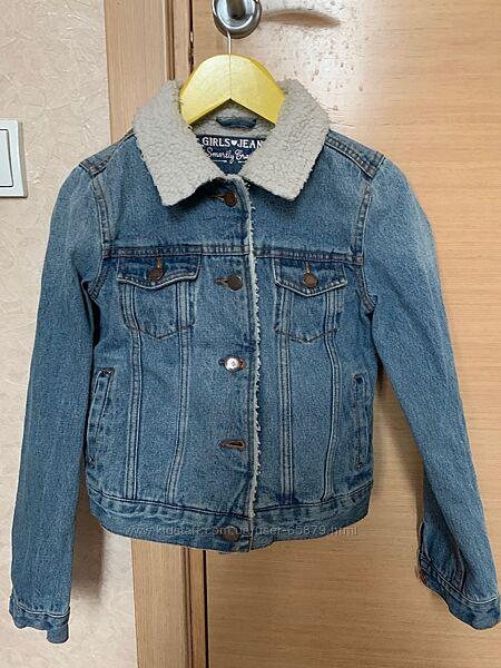 Джинсовая курточка деми С&A утепленная на 9-11 лет