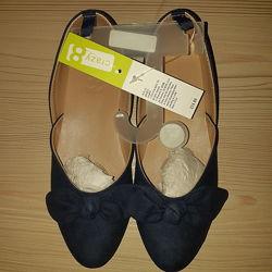Нарядные темно-синие туфельки , стелька 20 см