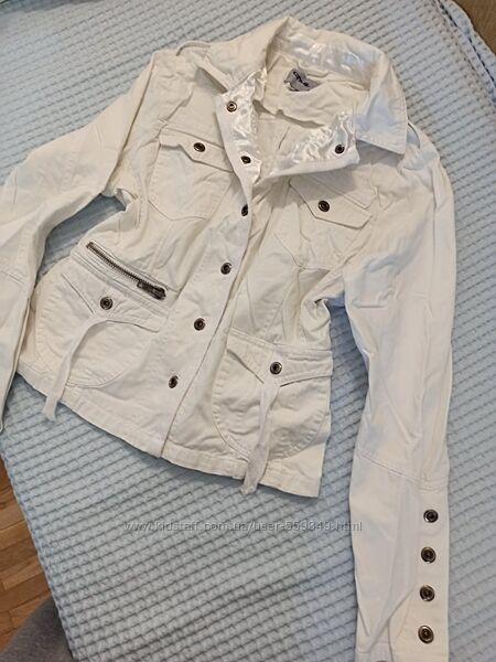 Куртка белая Сf1uk, размер М, L, в отличном состоянии, летняя