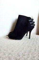 Next Черные туфли ботильоны шпилька замша открытый носок р.40 26 см