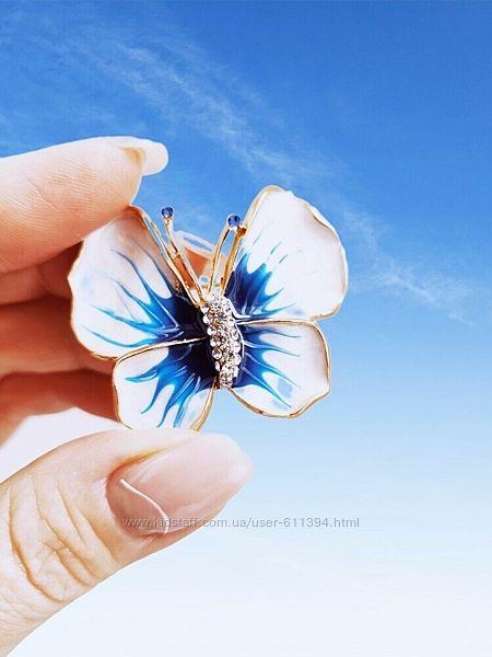 Нежная брошка - бабочка