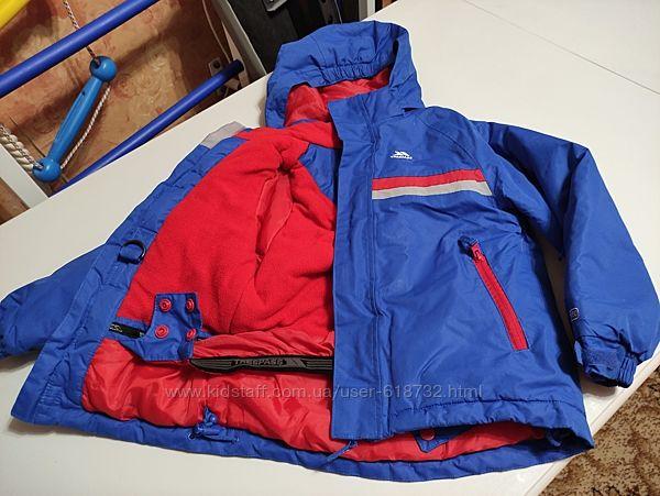 Зимняя качественная тёплая термокуртка Trespass на 5-6 лет