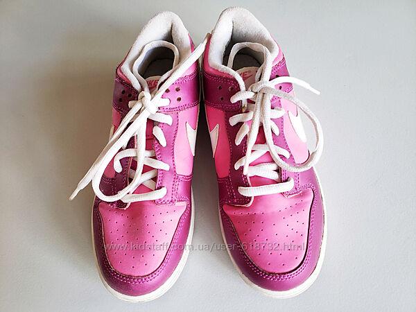 Кожаные фирменные кроссовки Nike, 35 размер