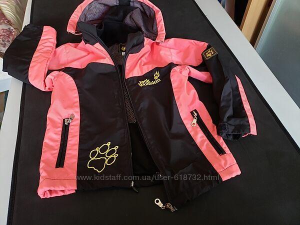 Стильная куртка, ветровка на девочку 4-5 лет Jack Wolfskin