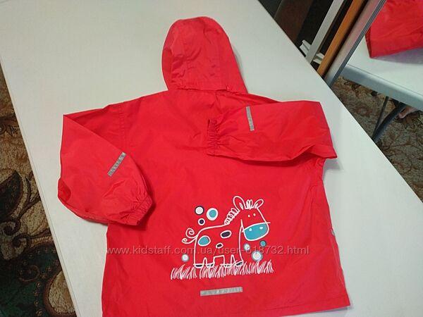 Демисезонная куртка, ветровка, дождевик на 7-8 лет