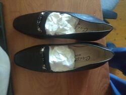 Итальянские туфли из мягчайшей кожи на каблуке 38,5 размер  24,5 см