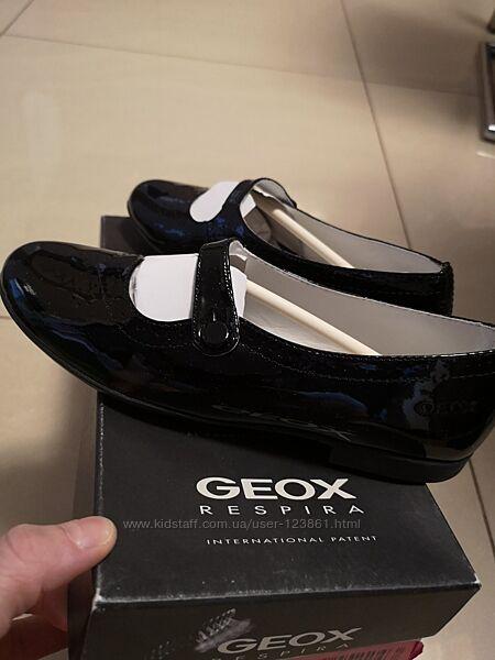 Кожаные туфельки Geox  36 Оригинал