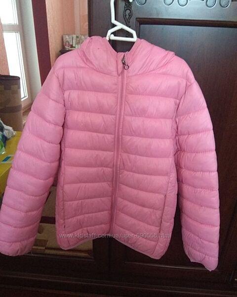 Демисезонная курточка для девочки.140р.