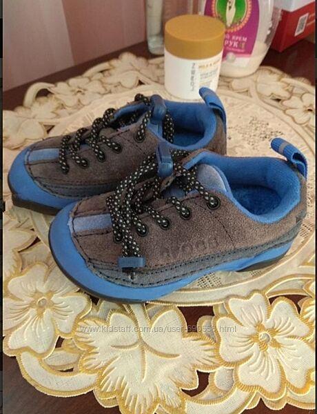 Замшевые кроссовки оригинальные фирмы Crocs.7