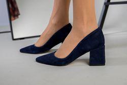 Туфли лодочки. Каблук 6,5 см. Кожа и велюр, 3 цвета
