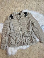 Красивая демисезонная курточка