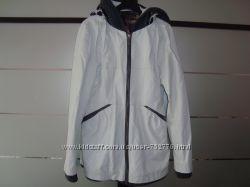 Курточка весна-осень белая