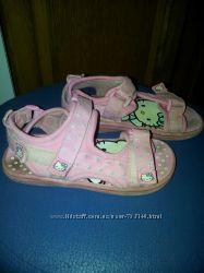 Детские босоножки Hello Kitty на липучках