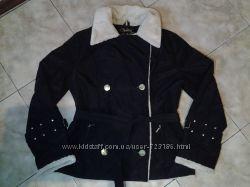 Продам стильную демисезонную куртку 48 размера.