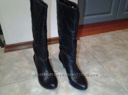 Продам стильные кожаные сапоги 39 размера. Стелька 25 см.