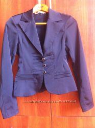 Атласный пиджак 36р.