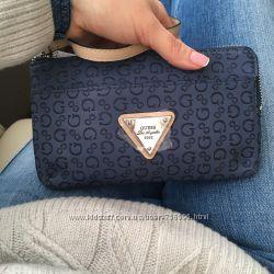 Новый кошелёк-сумочка Guess с ремешком на руку, оригинал США