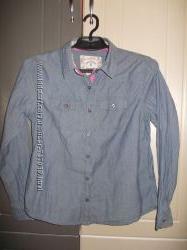 отличная стильная джинсовая рубашка