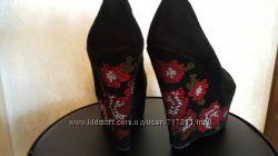 Туфли вышиванки натур. замше 39р. 24, 5 см