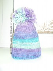 продам вязану шапку на обєм 46см