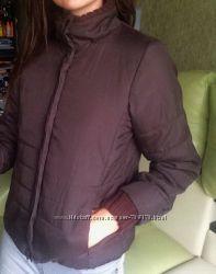 Женская демисезонная короткая коричневая куртка с вязаными манжетами 42-44р