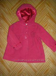 Красивенькое серое и фиолетовое пальто на девочку