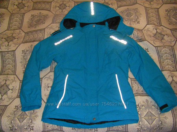 Супер Синяя и розовая новенькая деми куртка  Yigga  на девочку р. 146-152