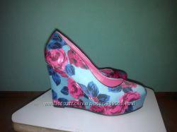 Модные туфли с цветочным принтом 36 размерпо стельке 23см