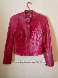 Стильная кожаная куртка XS-S