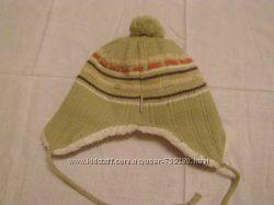 Продам шапку зимнюю детскую 2-4 лет.