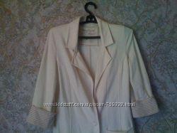 пиджак бежевый удлинённый