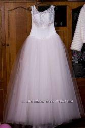 Продам утонченное свадебное платье