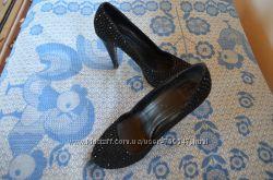 Туфли 37 размер в стразах