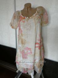 Нарядное платье. 44-46 р.